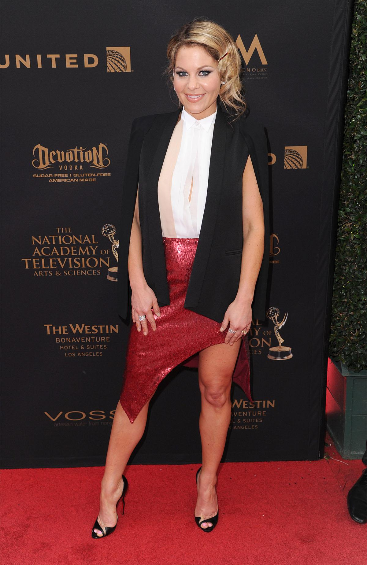 http://static-24.sinclairstoryline.com/resources/media/00b55982-006d-492c-923c-a52719ad713a-43rd_Annual_Daytime_Emmy_Awards___Arrivals__scottskomotv.com_12.jpg