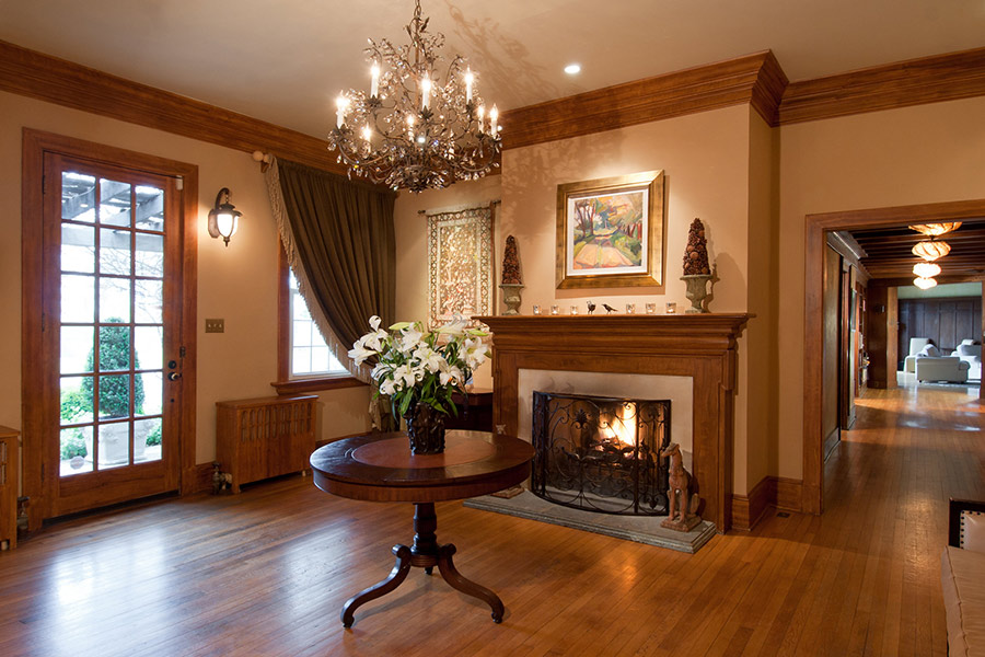 Interior fireplace gallery at Glen Gordon Manor{&amp;nbsp;}(Photo credit: Glen Gordon Manor)<p></p>