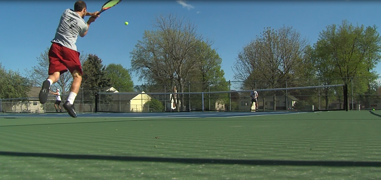 The Hastings College men's tennis team practices on May 1, 2017 (NTV News)