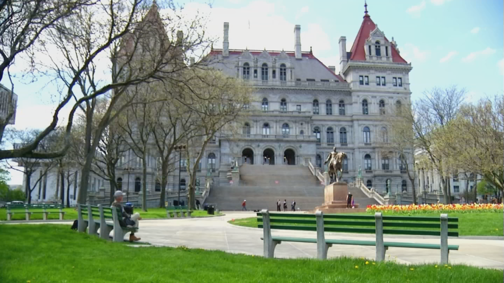 NY lawmakers to review social services for poor families