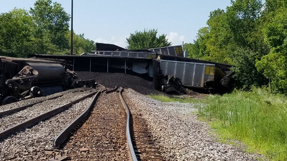 Coal Cars Overturned In Train Derailment Near Okay No One Injured Ktul