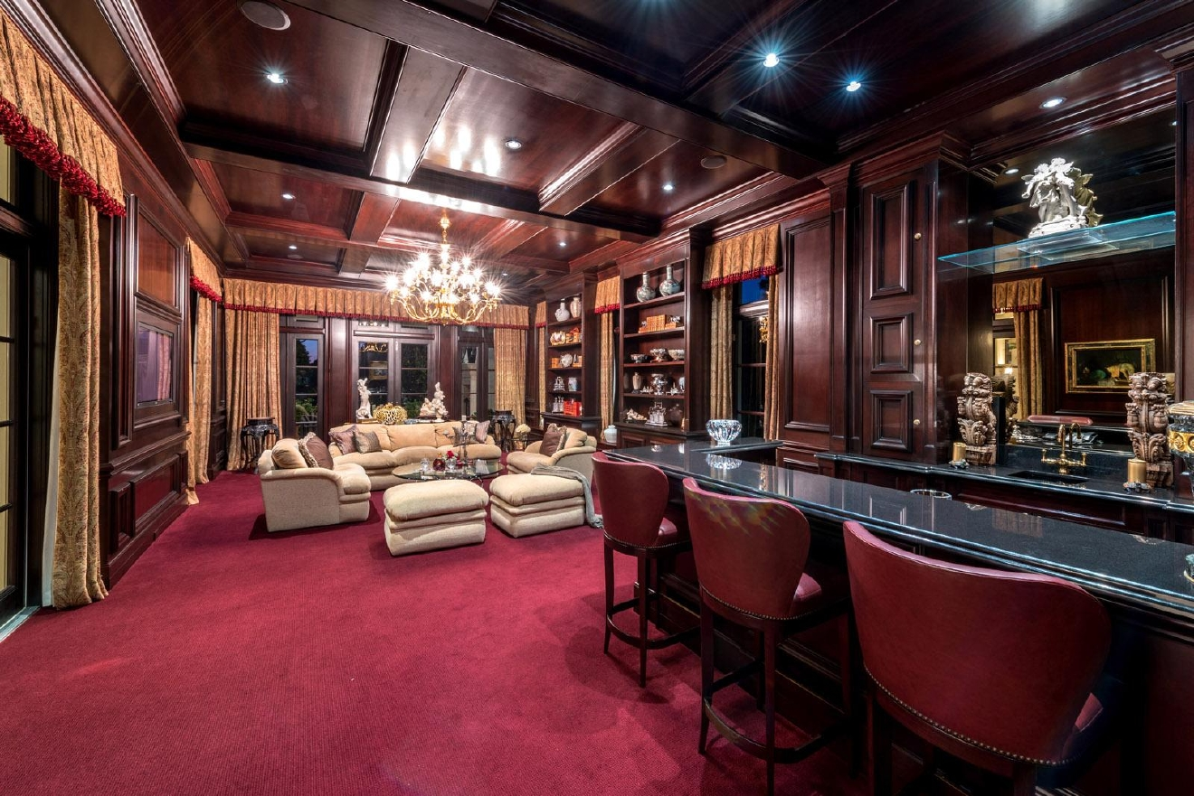 Mansion of the Week: 191 Bears Club Drive