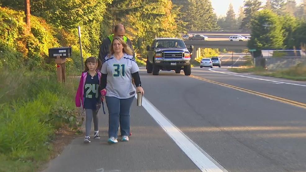 It's a very dangerous walk:' Lynnwood parents say trek to