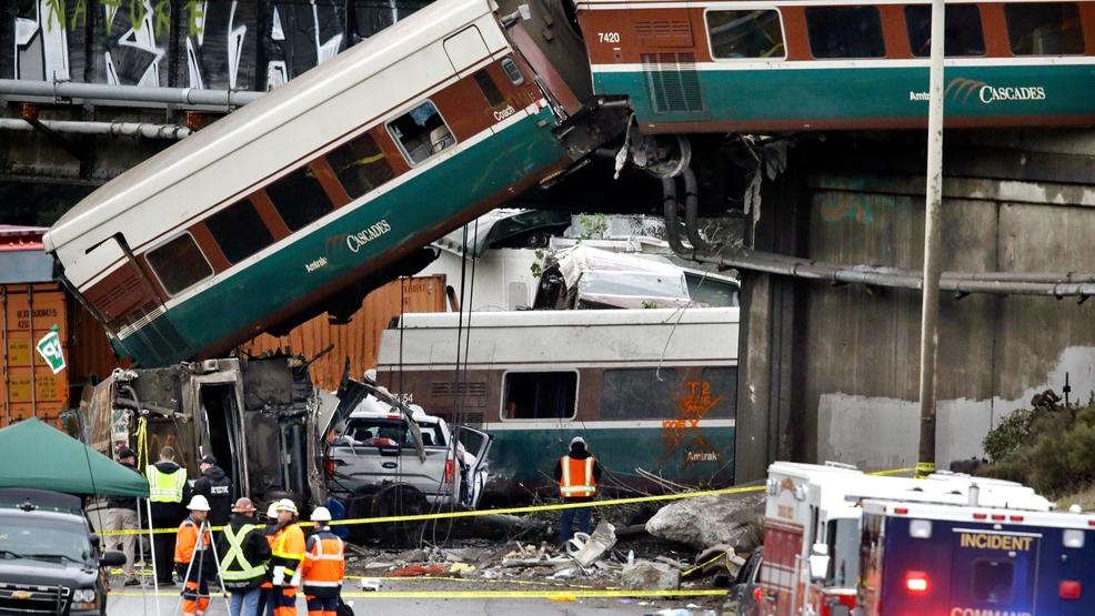 Man who rushed to help derailed train crash victims knew one dead passenger