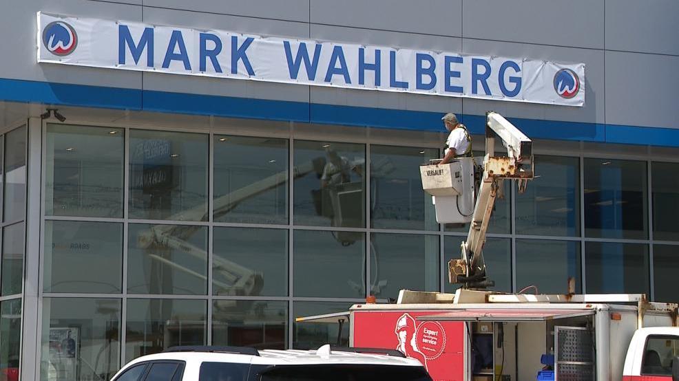 Columbus Chevy Dealers >> Mark Wahlberg S Business Partner Talks Columbus Dealership