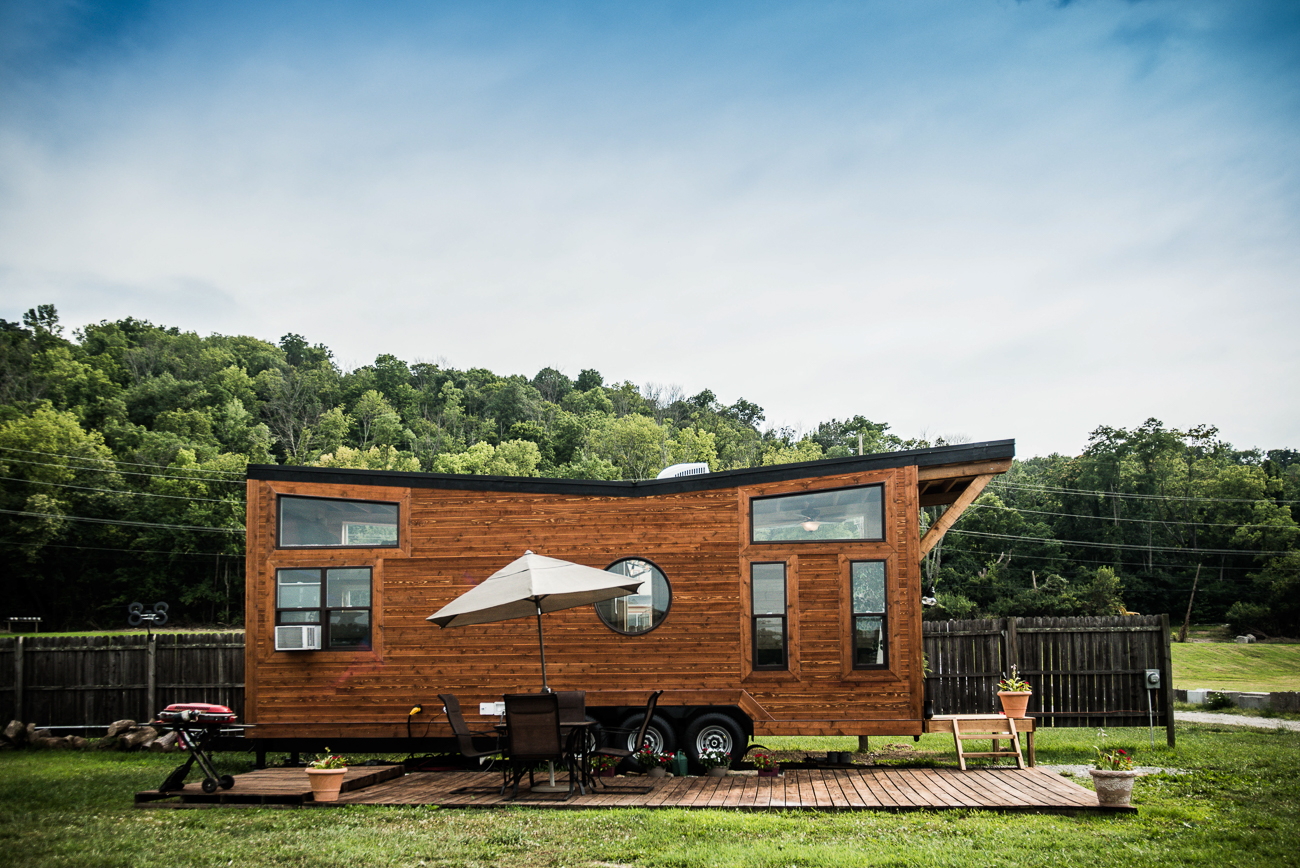 This tiny home is totally unique and doesn't have identical units. For tiny house enthusiasts and travelers who seek a comfy and out-of-the-ordinary lodging experience, the Riverside Marina tiny home is an ideal place to stay. / Image courtesy of Natalie Gregory // Published: 9.3.19