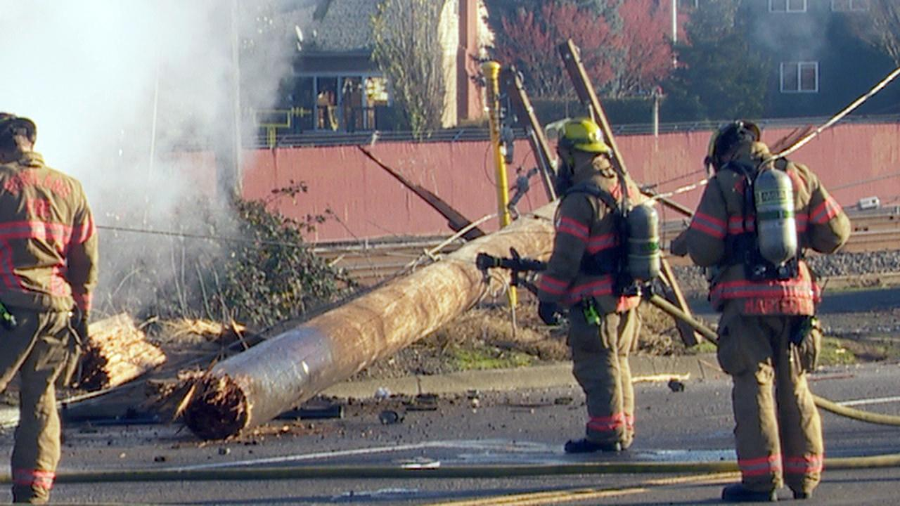 Fiery crash on North Columbia - KATU image - 4.jpg