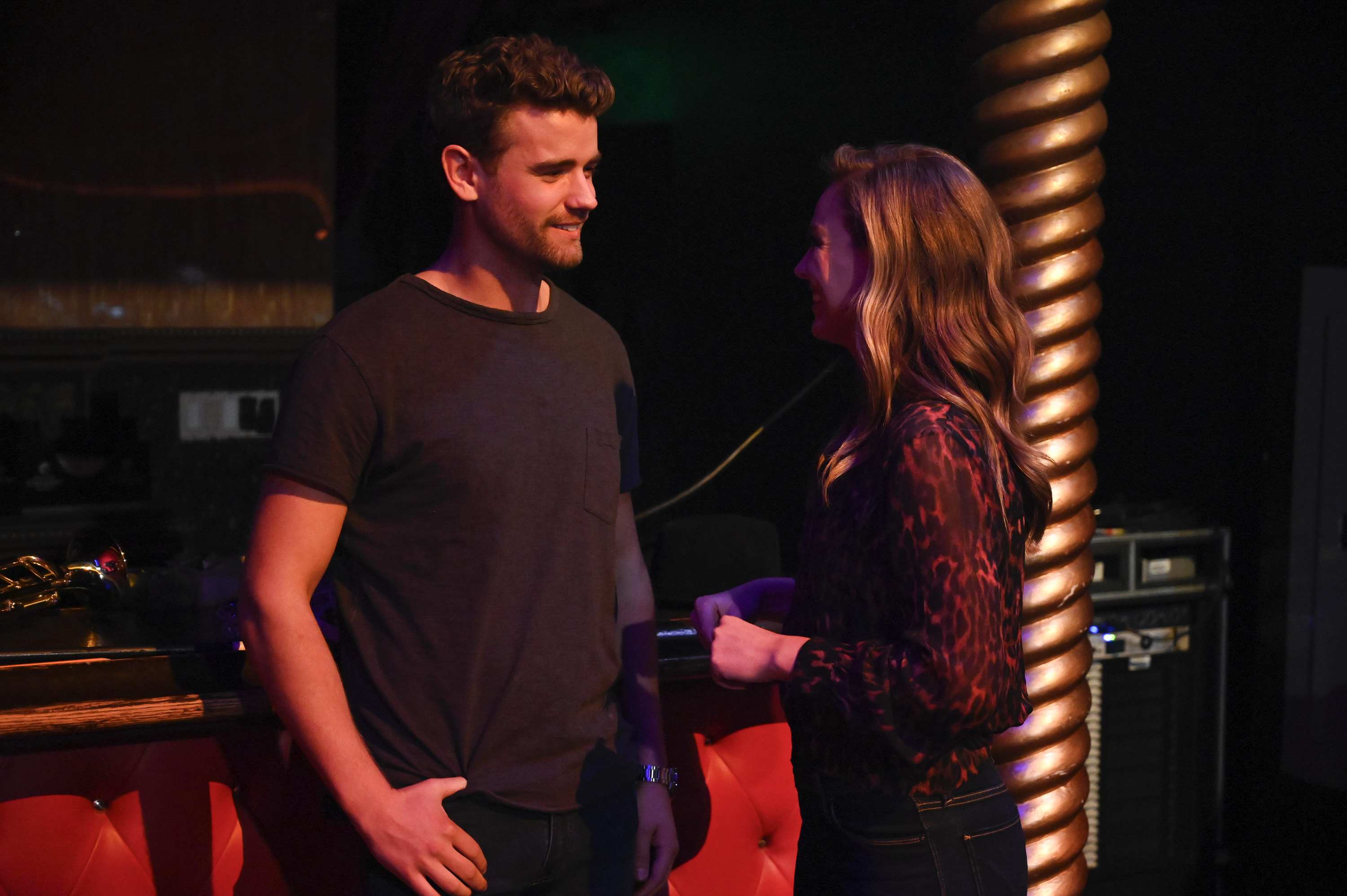 Looks like Luke S. is already smitten with Queen Hannah. (Image: John Fleenor/ ABC)