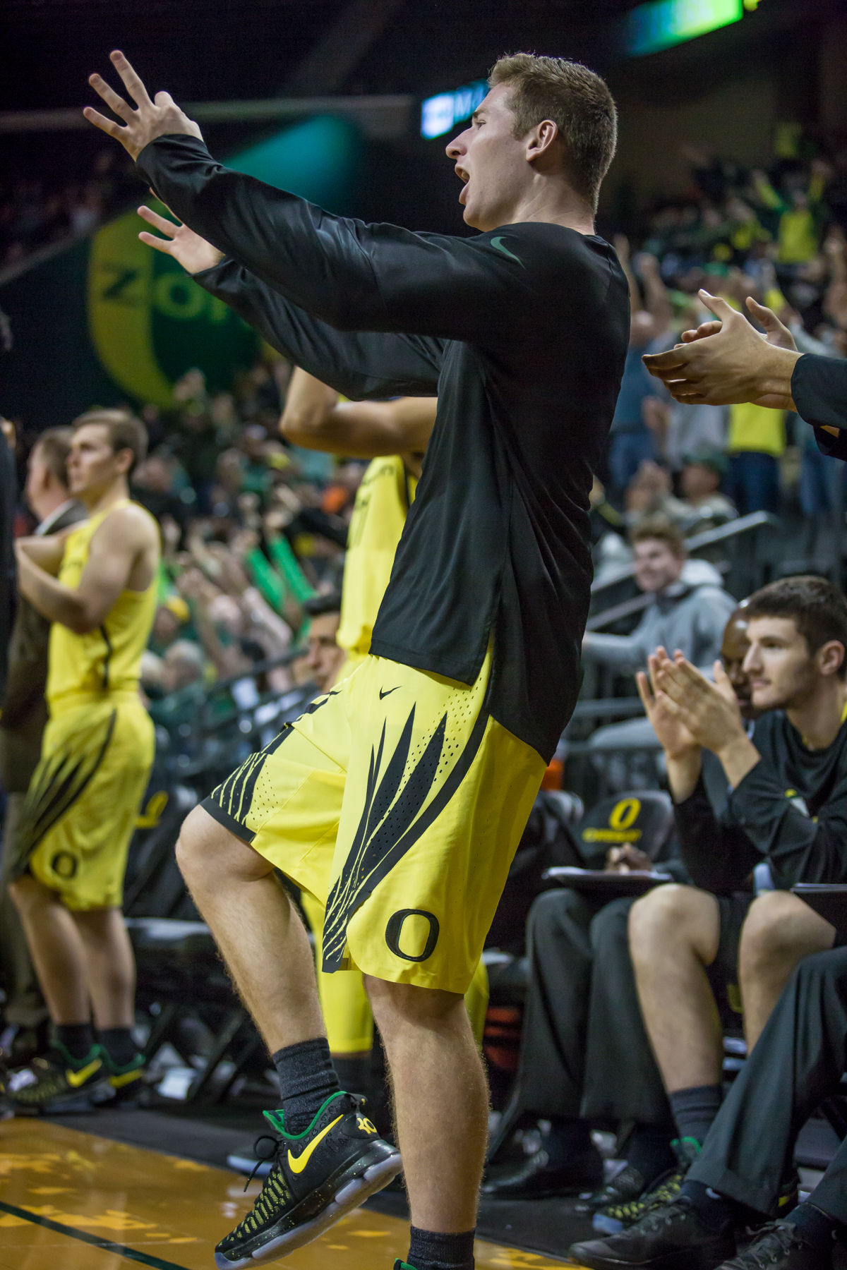 Oregon guard Charlie Noebel's (#10) celebrates a Tyler Dorsey three-pointer late in the second half. After trailing for most of the game, the Oregon Ducks defeated the Boise State Broncos 68-63. Photo by Dillon Vibes