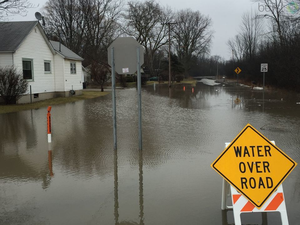 Several roads were flooded in Northern Spaulding Township<p></p>