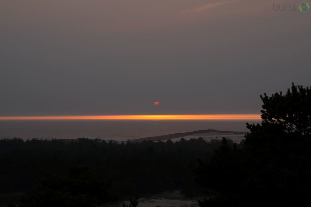 Debbie Tegtmeier shared these September 3 Oregon Coast sunset photos via BURST.com/KVAL