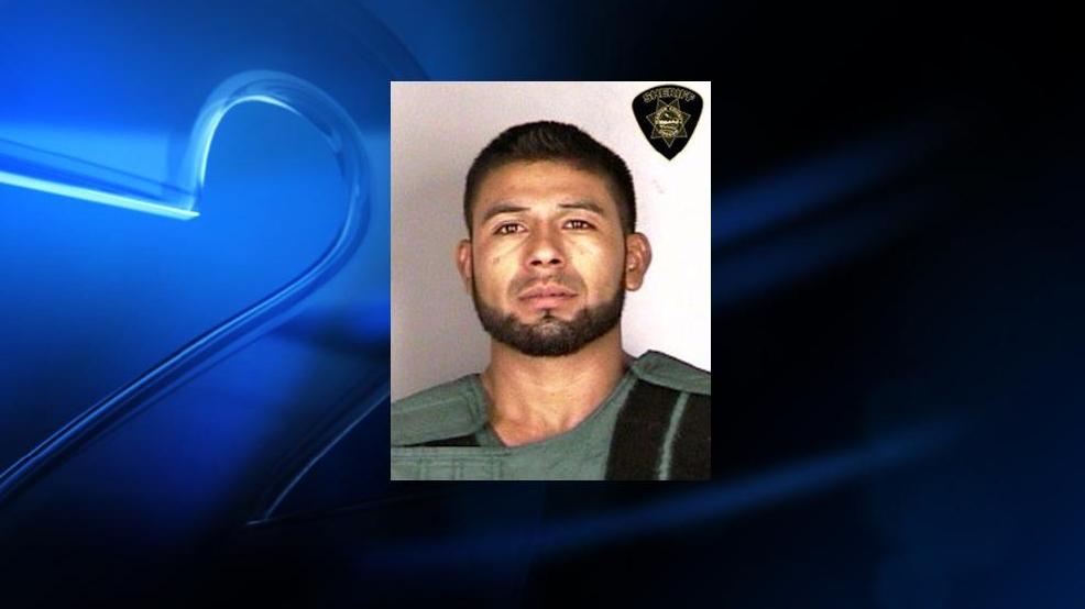 Man accused in triple murder near Woodburn pleads not ...