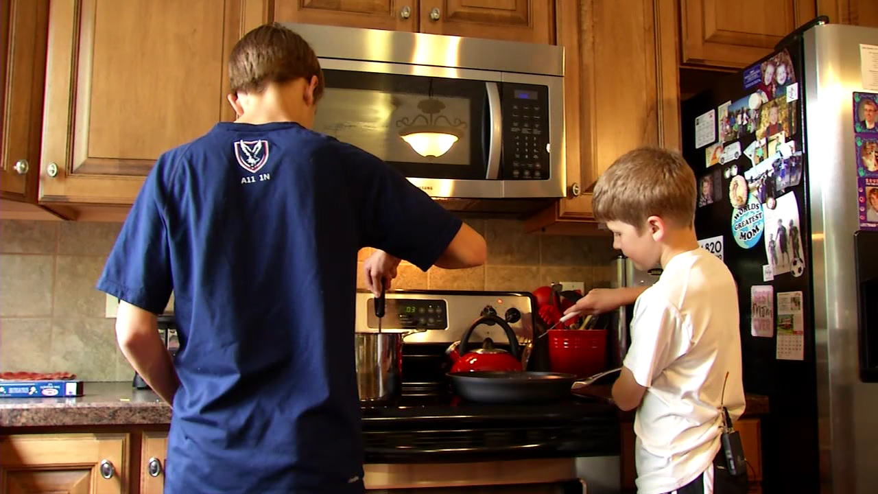 Kids can learn life lessons in the kitchen (WSYX)