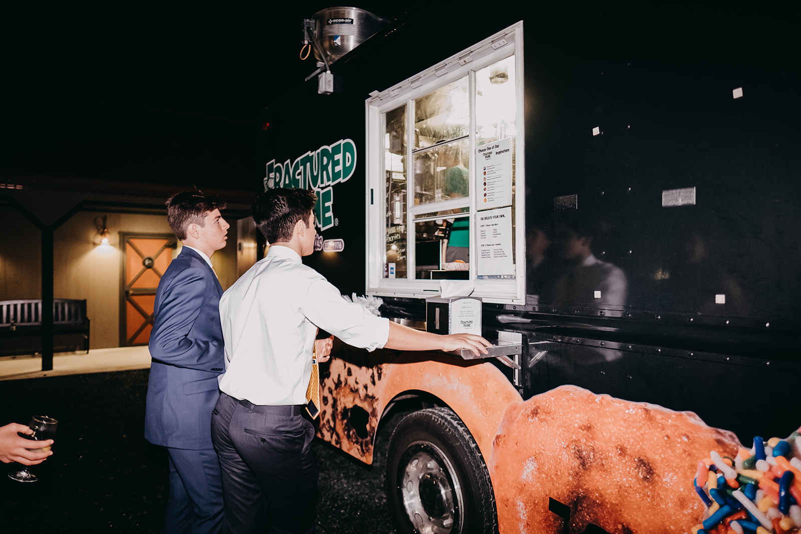 Donut truck: Fractured Prune(Image:{ }Jeff ThatcherPhotography)