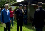Portland Mayor Charlie Hales toured several zombie homes Friday, June 10 (KATU News photo) 5.png