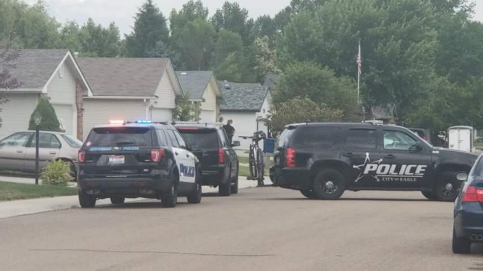 Deputies from the Ada County Sheriff's Office, officers from the Meridian Police Department and members of a negotiating team were present.