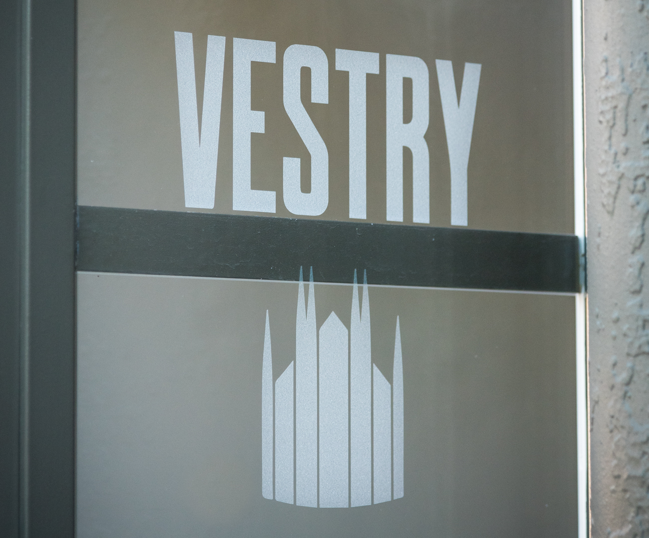 The Vestry is a sophisticated bar located inside of the Transept at the corner of Elm and 12th Streets. The bar is elegant and comfortable, and features a variety of exclusive cocktails made by skilled bartenders. While the Transept takes up the majority of the recently-rehabbed building, you can find the Vestry at street level in the corner facing Washington Park. ADDRESS: 1205 Elm Street, Cincinnati, OH 45202 / Image: Phil Armstrong, Cincinnati Refined / Published: 11.9.16