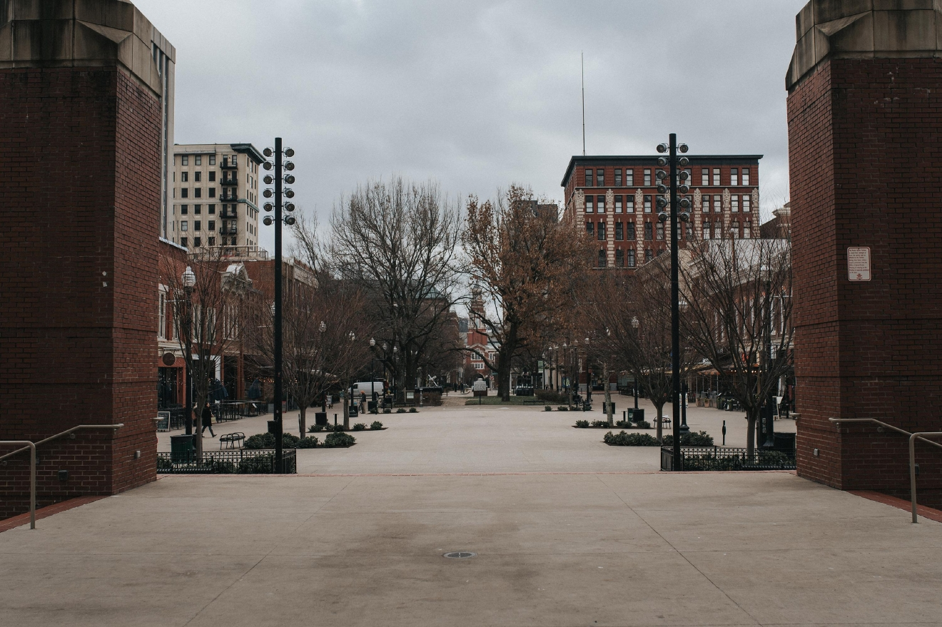 "PICTURED: Market Square / ABOUT: Knoxville is nicknamed ""the Queen City of the Mountains."" At only a three and a half hour drive down I-75, take a day trip down and check out everything the city has to offer. Then, head southeast and enjoy the American wilderness that lies just beyond it. / Image: Brianna Long // Published: 2.5.17"