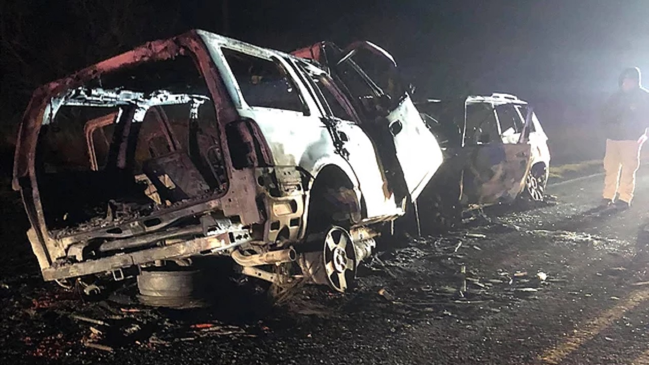 Two women, off-duty Border Patrol agent killed in fiery head-on crash (Photo: Courtesy of Eagle Pass Texas News)