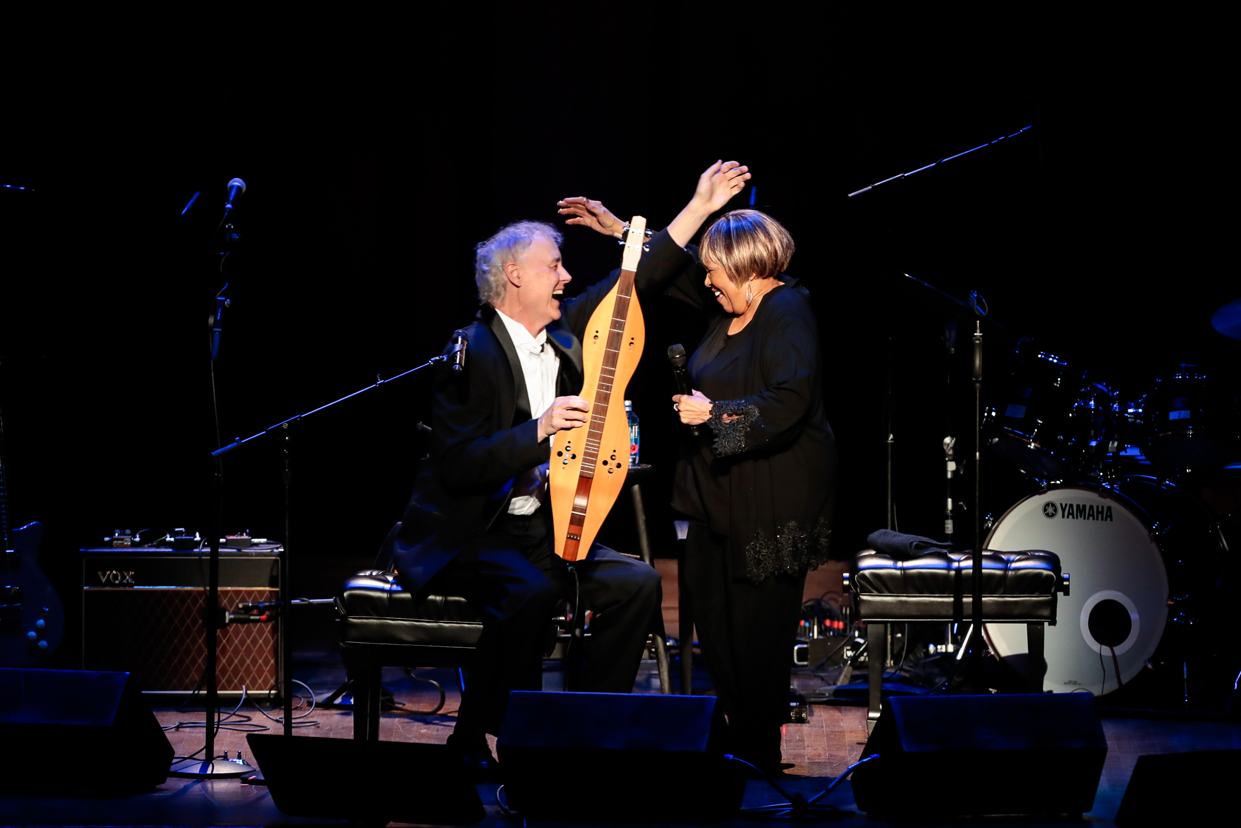 "In what had to have been the most humanizing song of the performance, the 78-year-old performed ""Celestial Railroad"" with Bruce Hornsby as he sang and accompanied her on the dulcimer. (Image: Yassine El Mansouri for the Kennedy Center)"