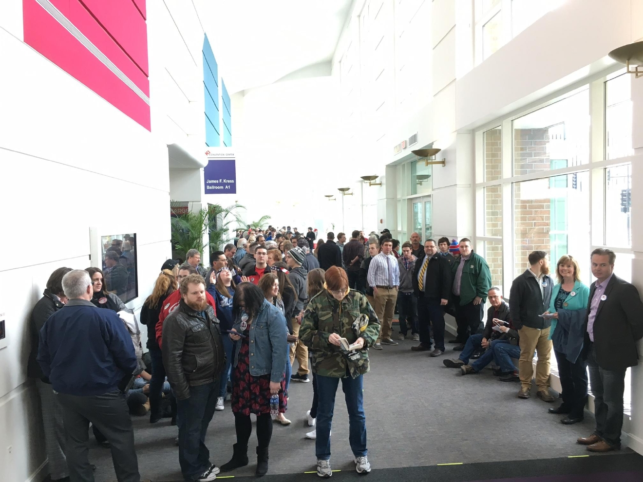 People lined up inside Green Bay's KI Convention Center ahead of an event for GOP presidential candidate Ted Cruz, April 3, 2016. (WLUK/Andrew LaCombe)