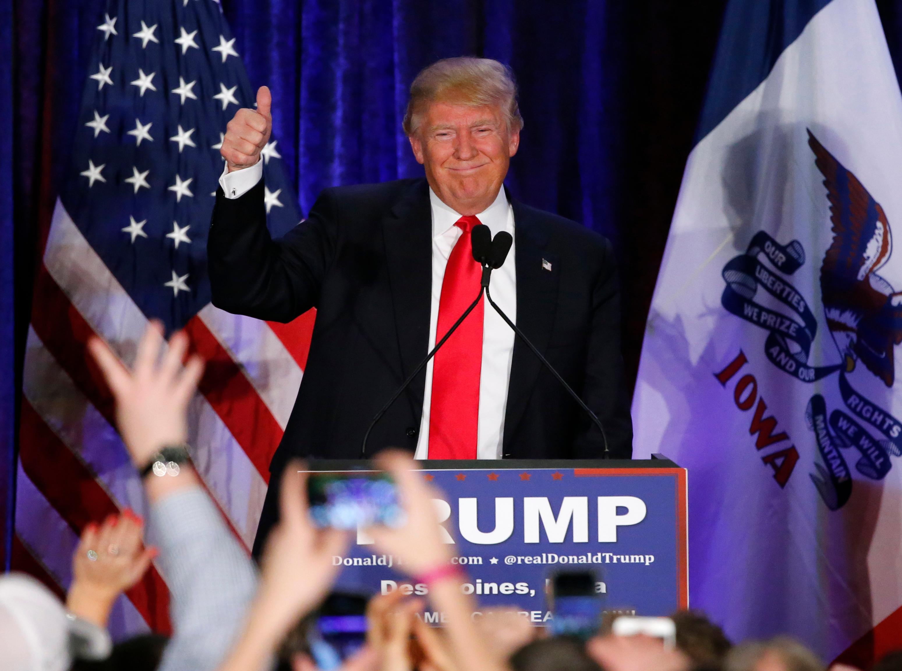 thepron.ru Republican presidential candidate, businessman Donald Trump waves after  speaking at his caucus night rally,