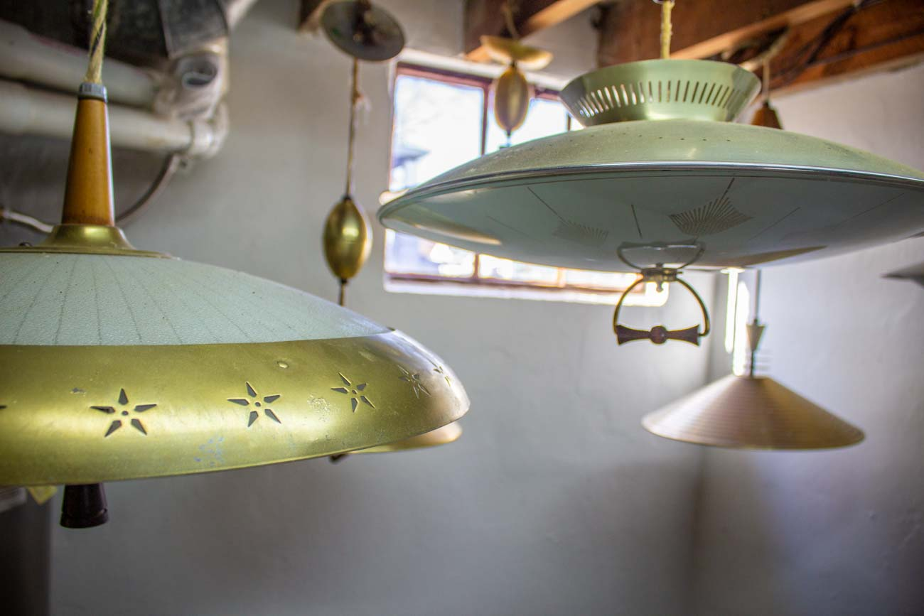 Pull-down lamps were typically featured over kitchen tables. / Image: Katie Robinson, Cincinnati Refined // Published: 12.14.20