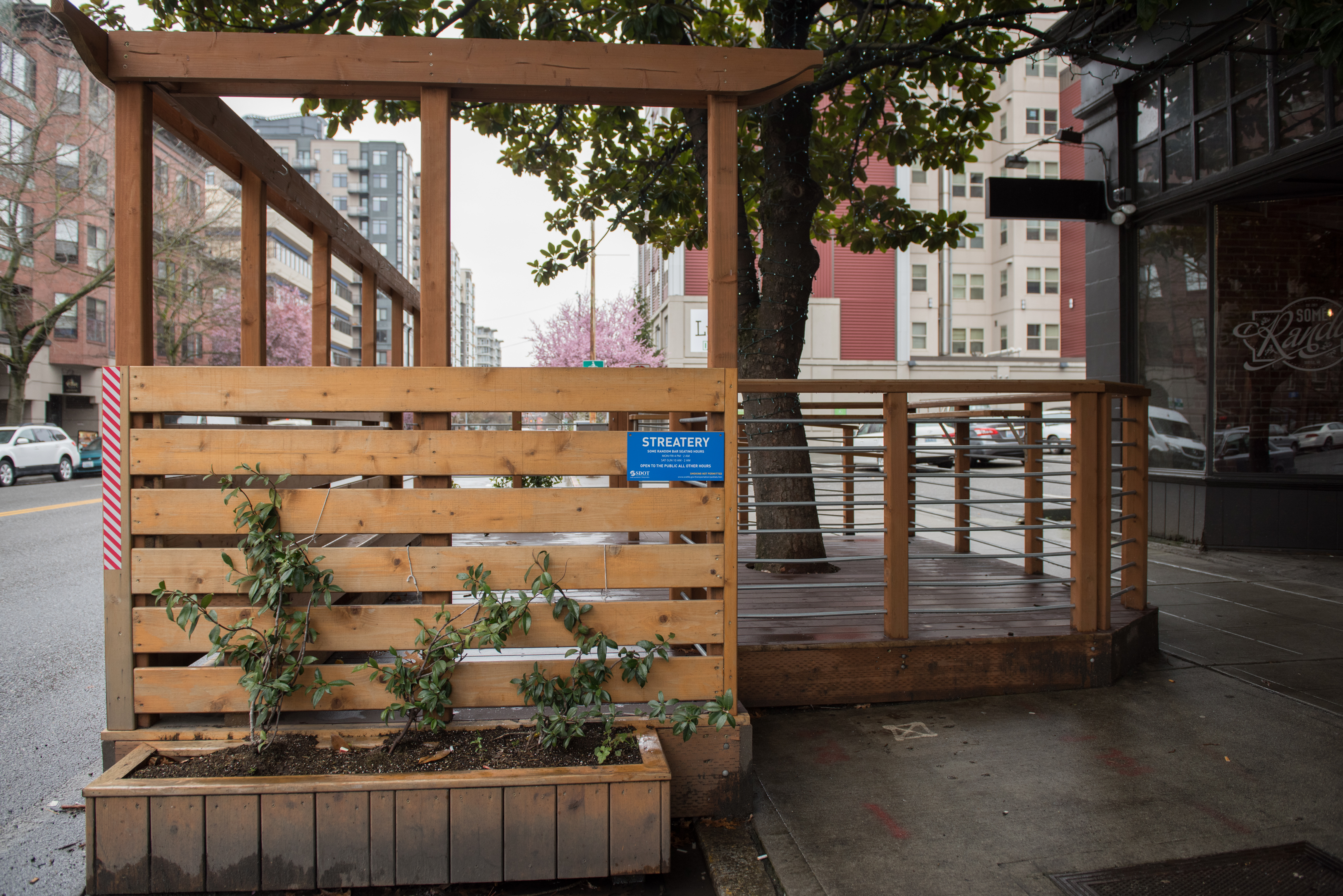 Some Random Bar Streatery: The Some Random Bar streatery is Seattle's second petite park to make the switch. (Image: Natalia Dotto)