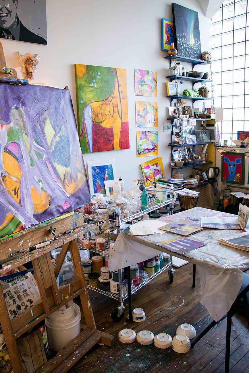 <p>Painter Susan Crew's studio / Image: Allison McAdams // Published: 6.12.18</p>