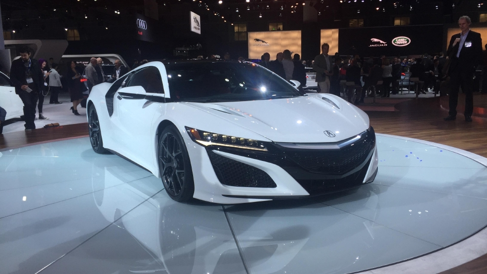 2017 acura nsx goes on sale soon who gets the first one wgxa. Black Bedroom Furniture Sets. Home Design Ideas