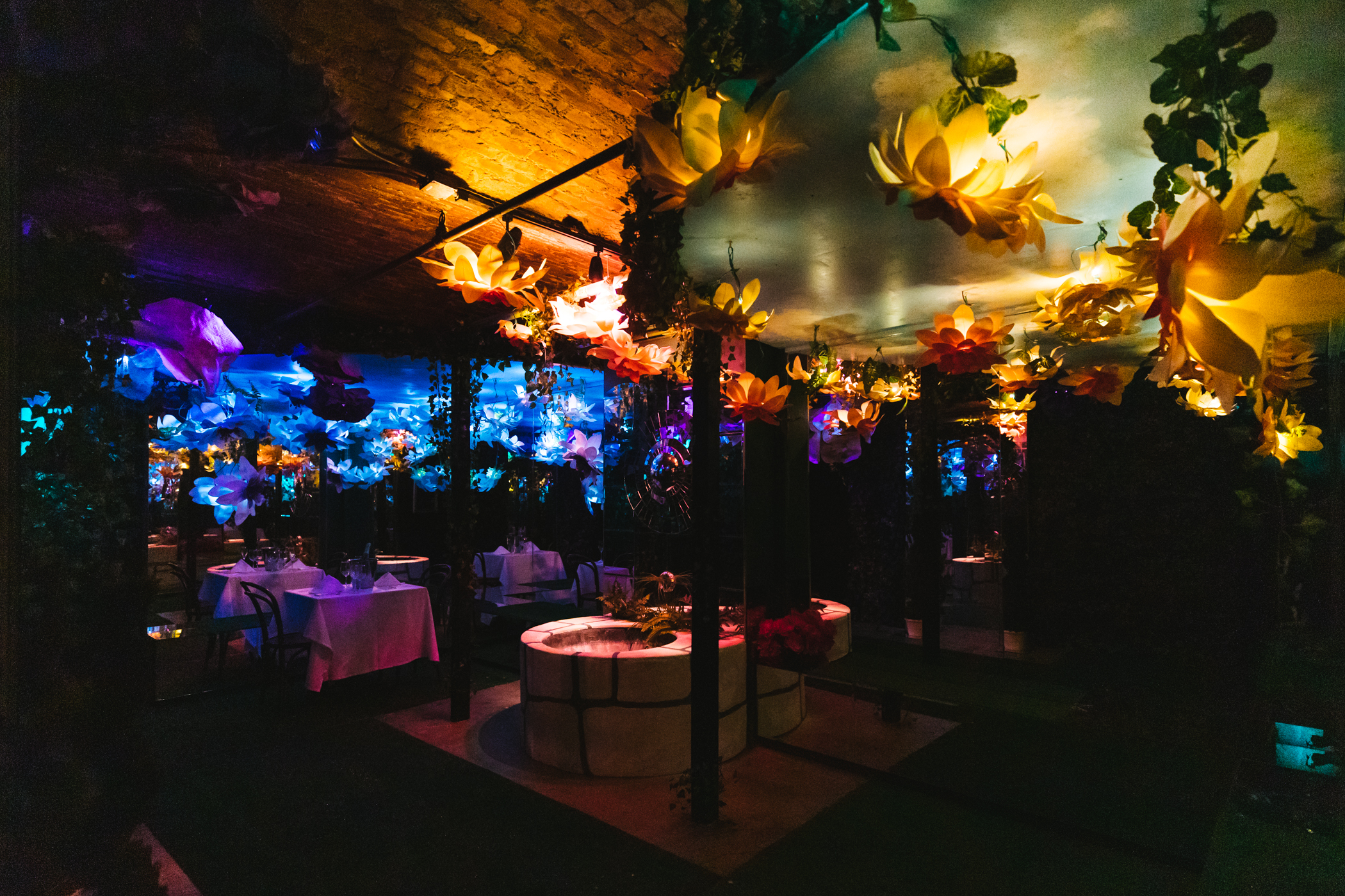"Valentine's Day is right around the corner, and nothing screams ""love"" more than a romantic dinner for two in{&nbsp;}<a  href=""https://www.cafenordo.com/"" target=""_blank"">Cafe Nordo's</a>{&nbsp;}stunning Infinity Garden room - and you actually could spend V-Day doing just that!{&nbsp;}Cafe Nordo is auctioning off this dinner-for-two package through their virtual annual fundraiser,{&nbsp;}<a  href=""https://secure.qgiv.com/event/kiss21/"" target=""_blank"">KISS: Live from our Pillow Fort</a>, being held Saturday, Jan. 30. Interested parties can register through{&nbsp;}the Givi app and place a bid. (Image: Sunita Martini / Seattle Refined)"