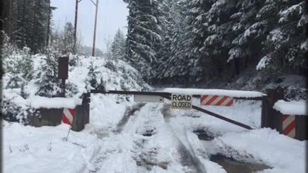 Recent snow causes gate closure on road leading to umpqua