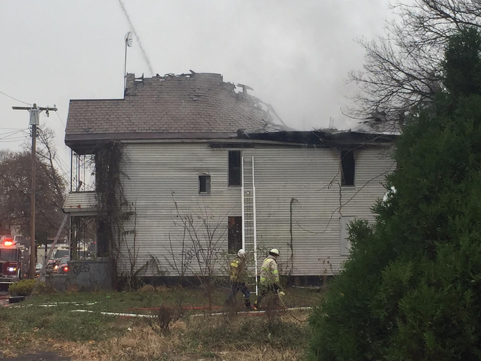 Fire crews battle fire at vacant home in Schenectady