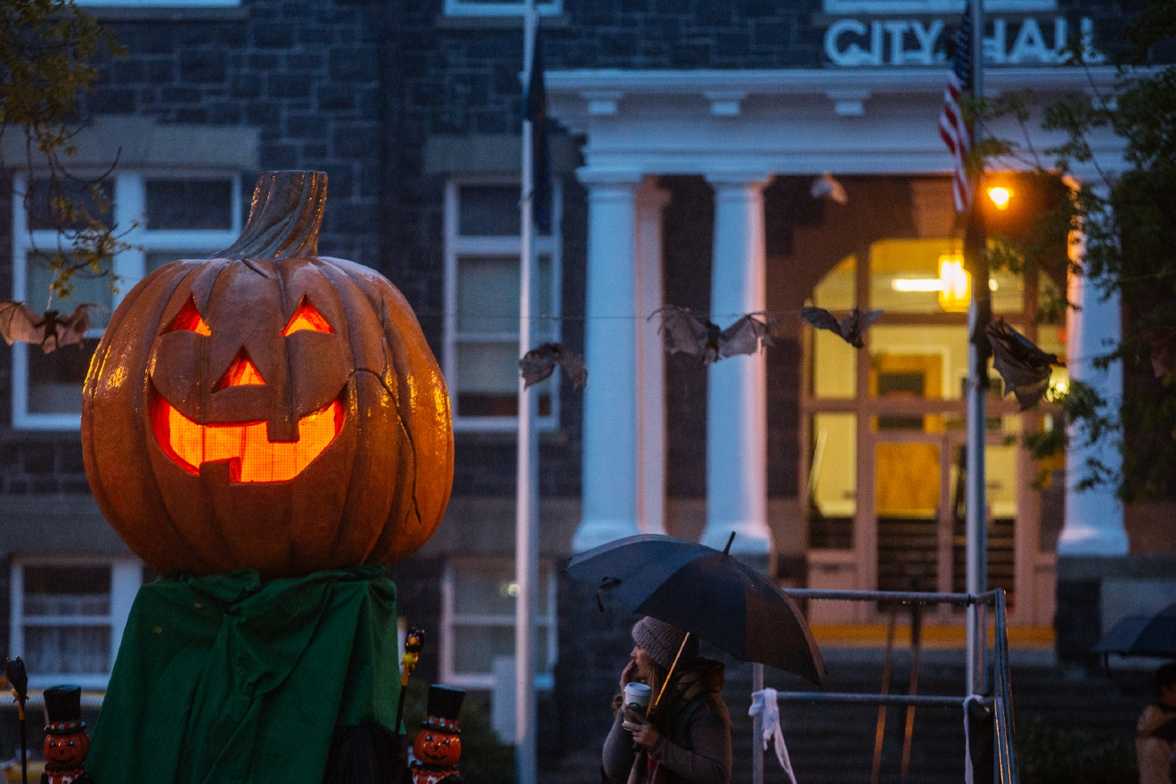 Photos: The real-life Halloweentown exists less than 3 hours away ...