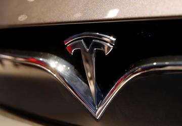 NTSB: Autopilot was in use before Tesla hit semitrailer