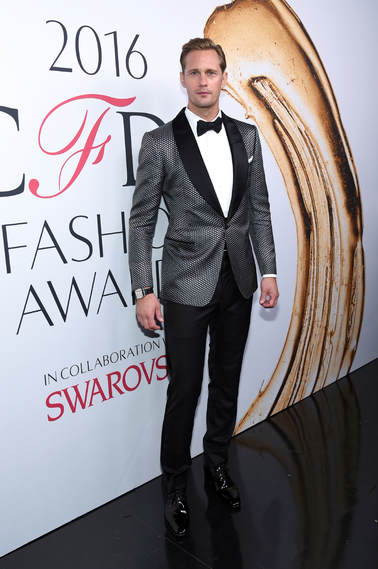 Alexander Skarsgard poses at the CFDA Fashion Awards at the Hammerstein Ballroom on Monday, June 6, 2016, in New York. (Photo by Evan Agostini/Invision/AP)