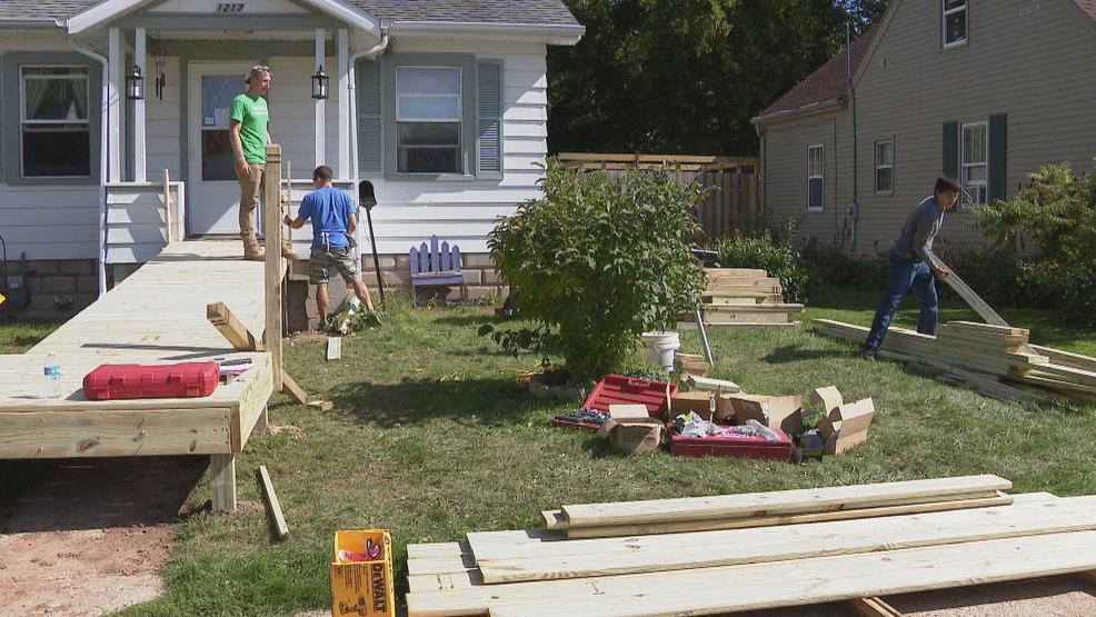 Habitat For Humanity Helps Build Wheelchair Ramp | WLUK