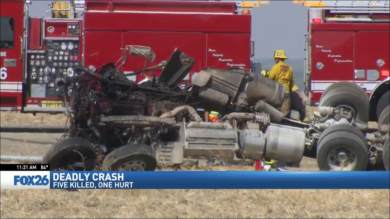5 dead, 1 injured after big rig crash in Fresno County (FOX26)