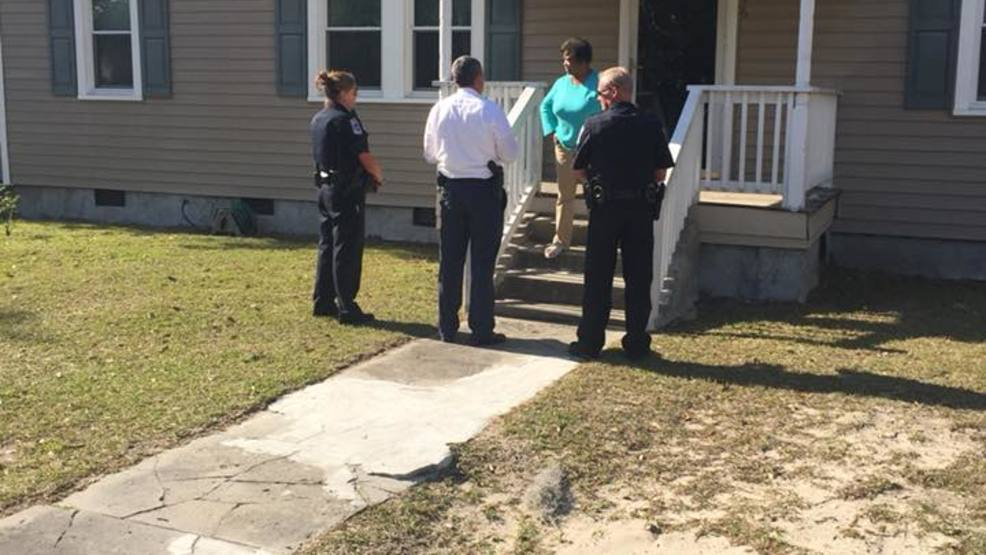Conway Police Chief goes door to door to promote safety & Conway Police Chief goes door to door to promote safety | WPDE