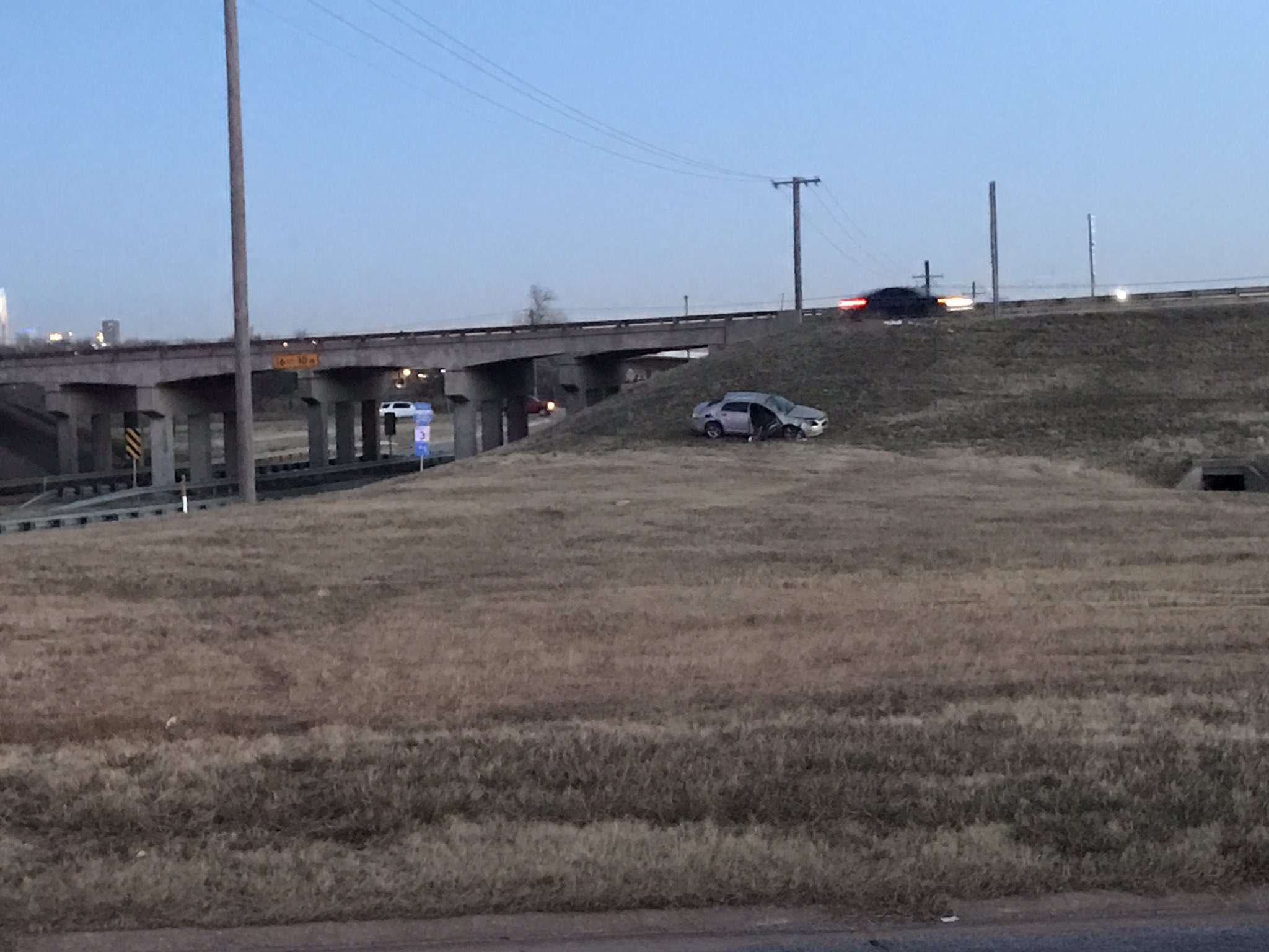 OHP investigating crash near Eastern and I-240 that left one young woman dead and sent three to the hospital. (Julie Calhoun/KOKH)