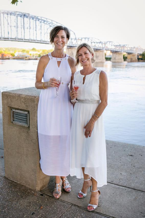 Lisa Smith and Leslie Flanagan{ }/ Image: Mike Bresnen Photography // Published: 9.16.18