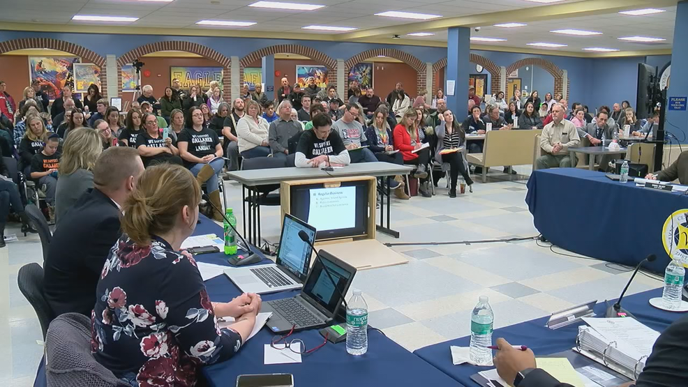 Parents sound off over investigation into Wayne Central School Board members
