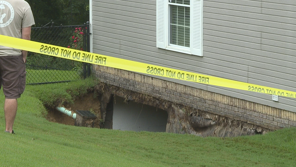 No One Home When Sinkhole Opens Up In Hixson House Basement Wtvcfox