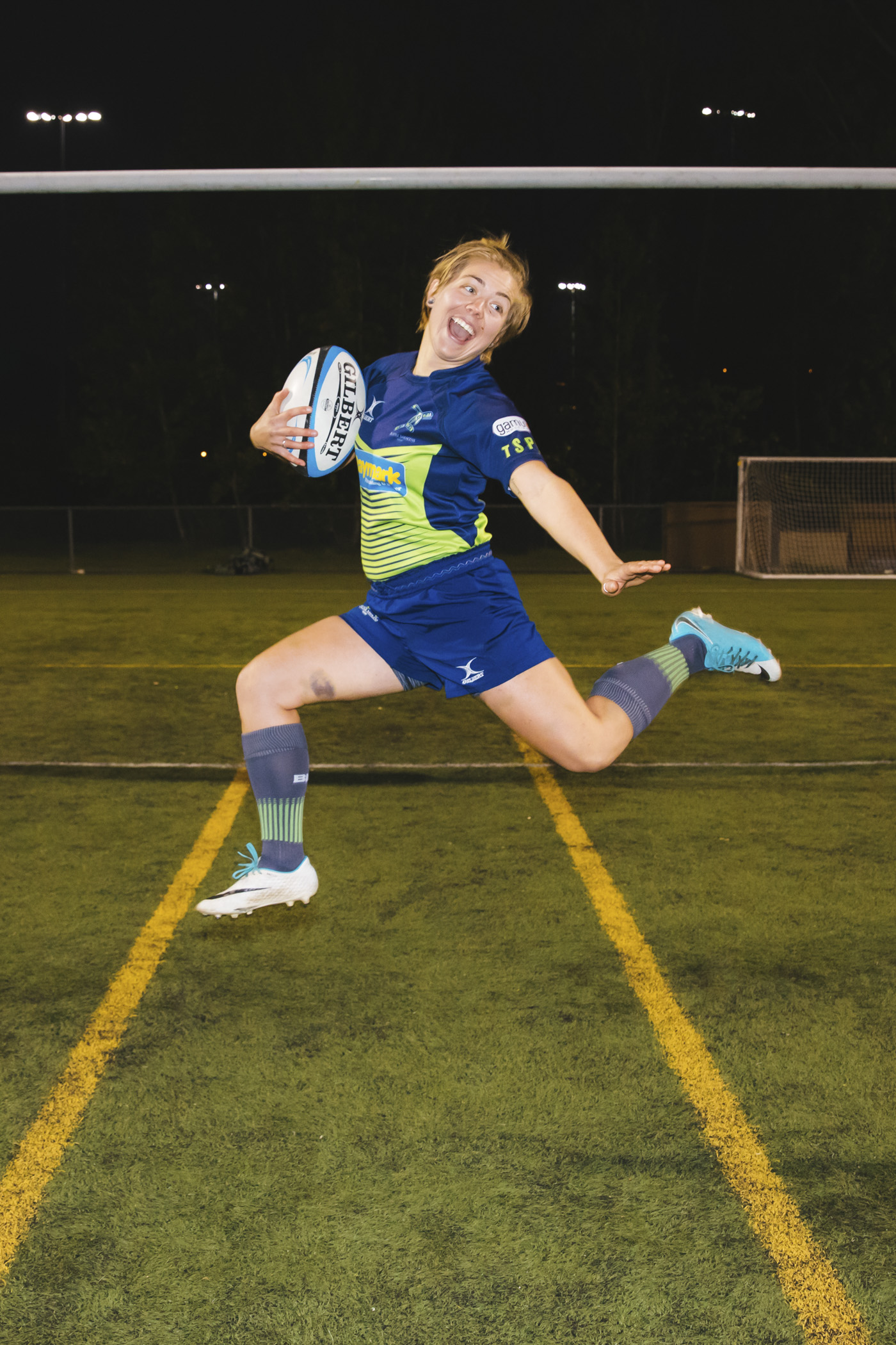 This is Anne! Anne is a flanker and her favorite snack is dinosaur egg oatmeal (WOW WHO ELSE FORGOT ABOUT THAT MAGICAL SNACK) and her favorite adult beverage is a gin and tonic. (Image: Sunita Martini / Seattle Refined).