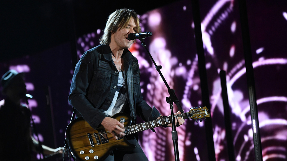 Keith Urban - Disney  ABC Television Group  Flickr  CC BY-ND 2.0.png