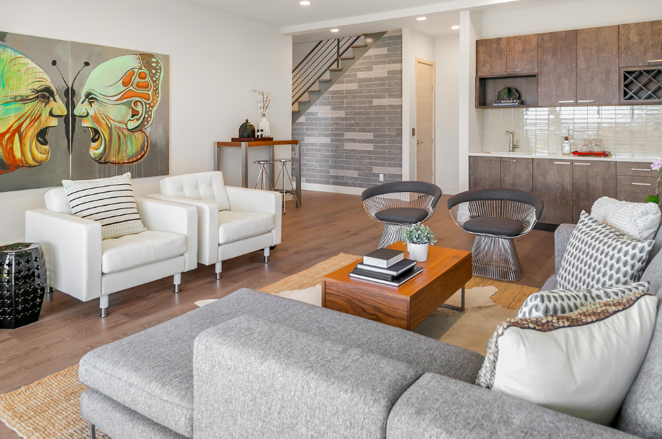 This brand new, eco-friendly, and drop dead gorgeous home sits on the shores of Lake Washington in the the Leschi Neighborhood. The luxury home has a price tag of $2,748,888 and it's a real dream, let me tell you.  (Image: Jennie Musolf Photography).