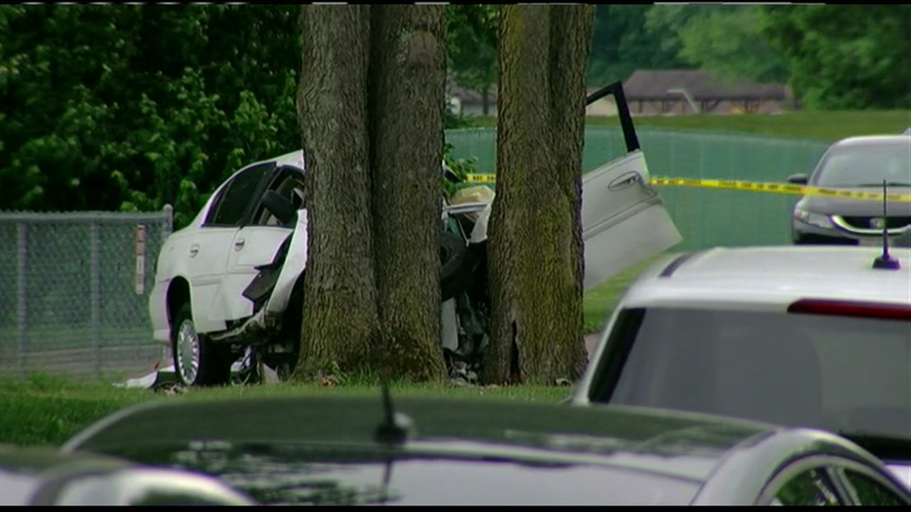 One person is dead after a single-vehicle crash in Fairfield. (Matt Lawrence, WKRC)