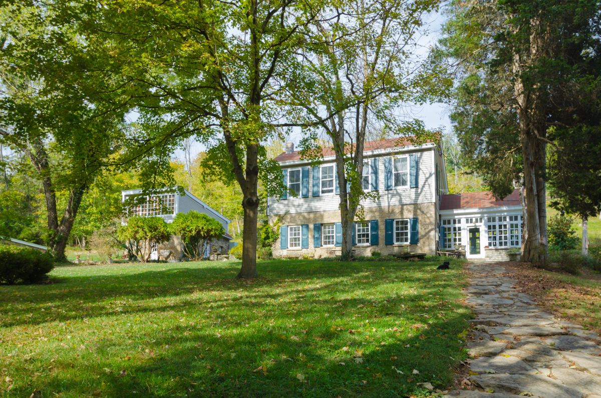 The Guest House at Monte Cassino Vineyards in Covington is one of the most unique Airbnbs in the Cincinnati area. This 650 sq. ft. studio loft is a restored 1830s stone structure, the walls of which are listed on the National Historic Registry. Located on the 16-acre property is an outdoor pool, sculpture garden, and a vineyard that dates back to the late 1800s. It is a 1-bed, 1-bath Airbnb made to accommodate 2 guests. Additional spaces that are still under construction include an outdoor festival lodge, wedding chapel, conference room, and tasting room. It is $118 per night. / Sherry Lachelle Photography // Published: 10.10.17