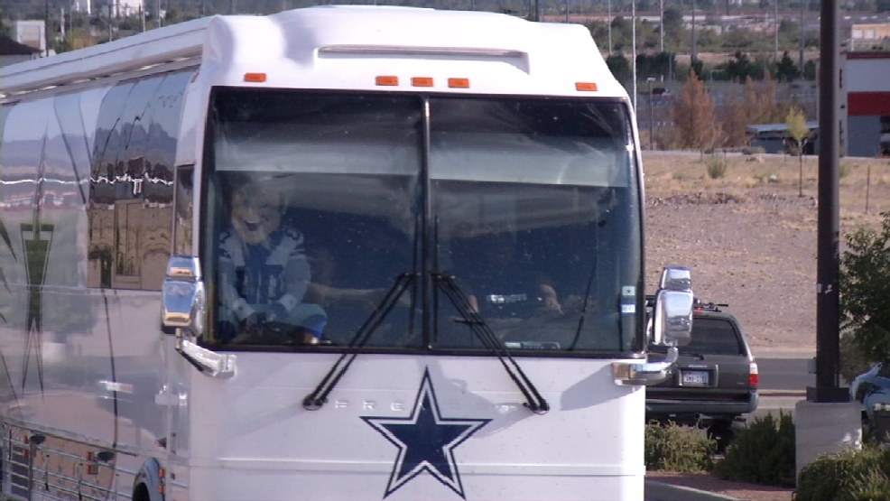 Cowboys tour bus makes stop in sun city kfox for Sun city motors el paso tx